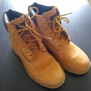 "Waterproof Timberland Wheat/Honey 6"" Classic Boots"